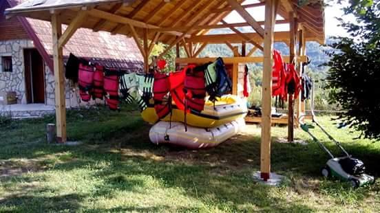 rafting team (2)